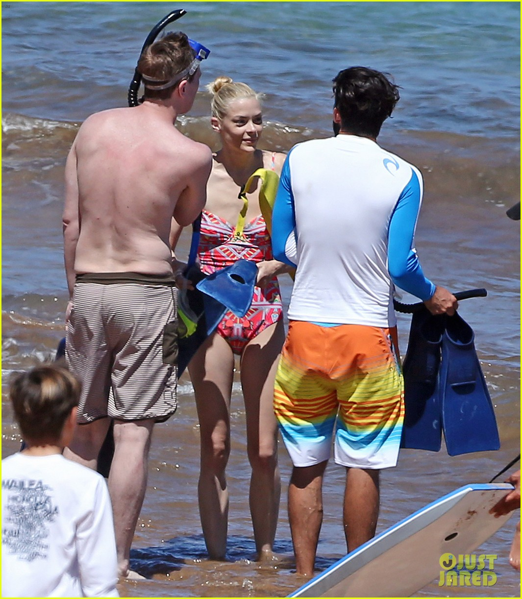 jaime king one piece swimsuit snorkeling hawaii 03