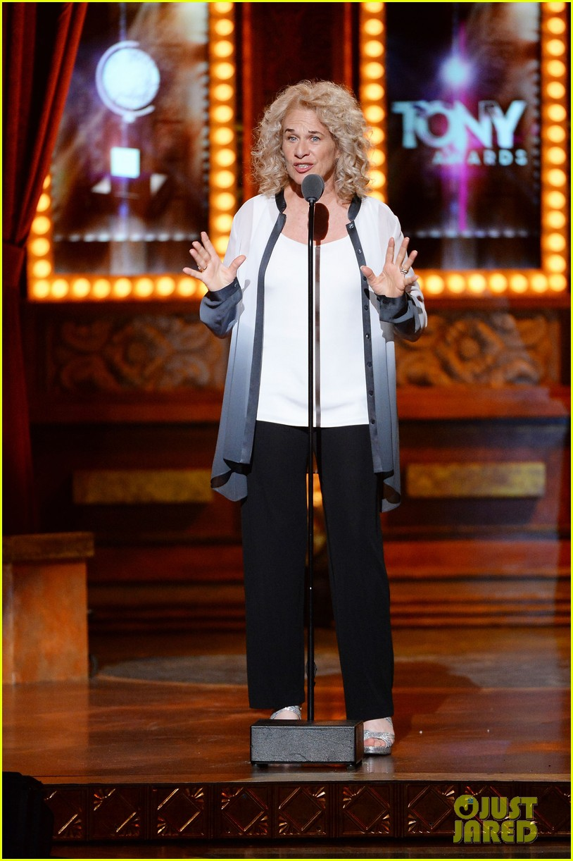 carole king jessie mueller tony awards 2014 053131472