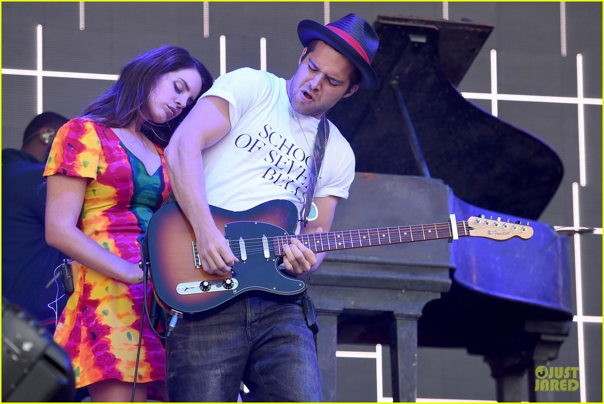 lana del rey ultraviolence tops billboard 200 16