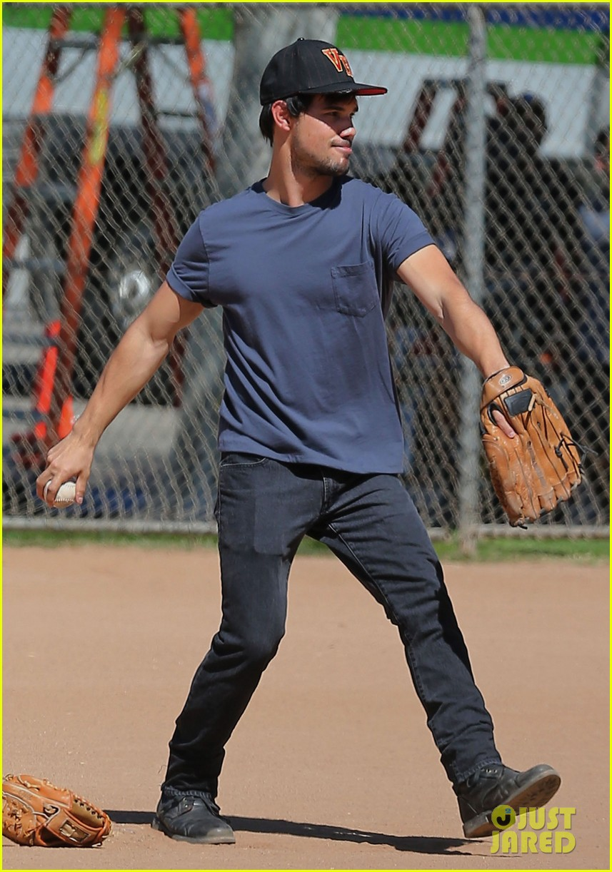 taylor lautner buff arms run the tide baseball pitch 16