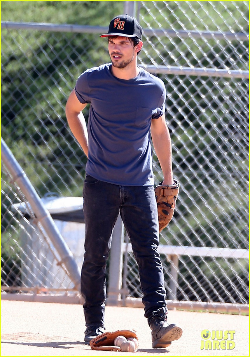 taylor lautner buff arms run the tide baseball pitch 233140554