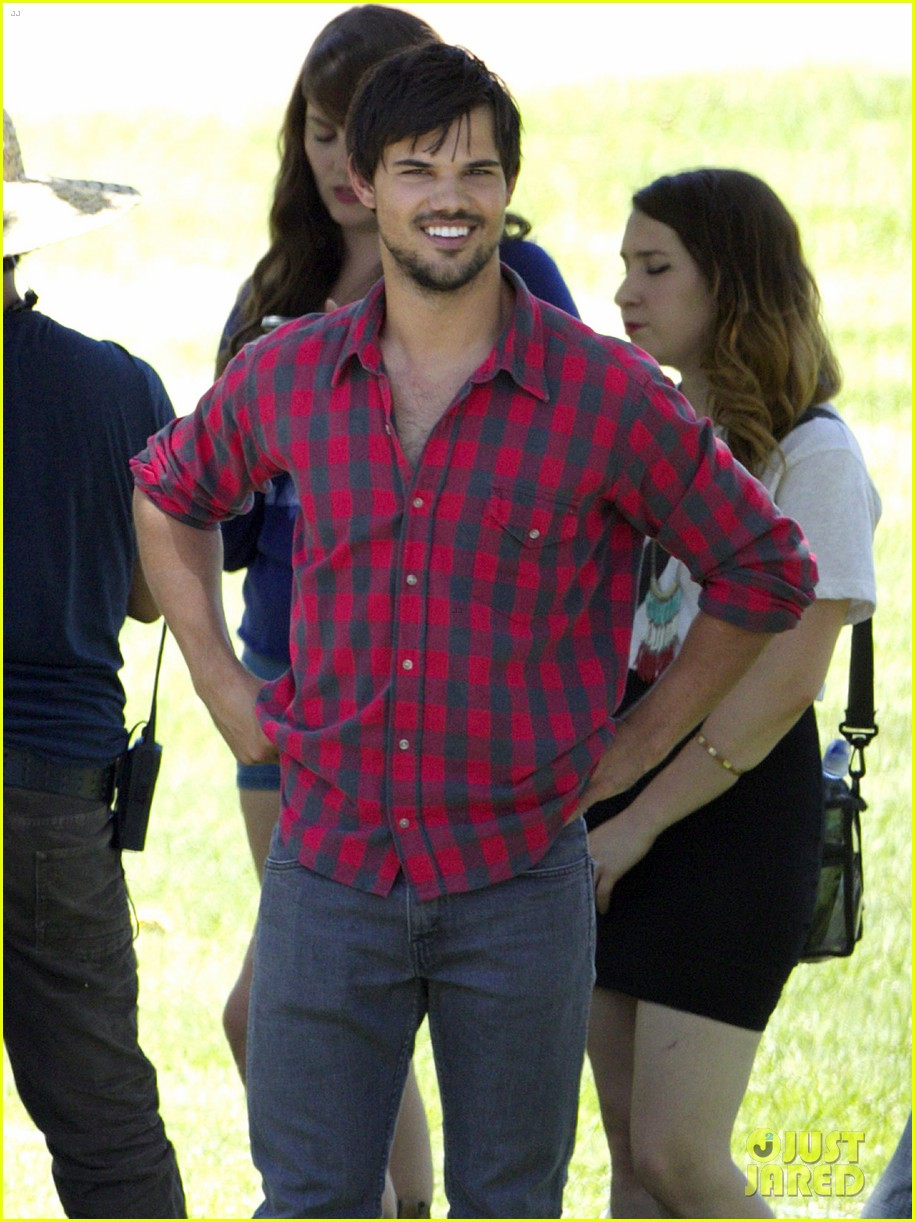taylor lautner run the tide sexy 143140157