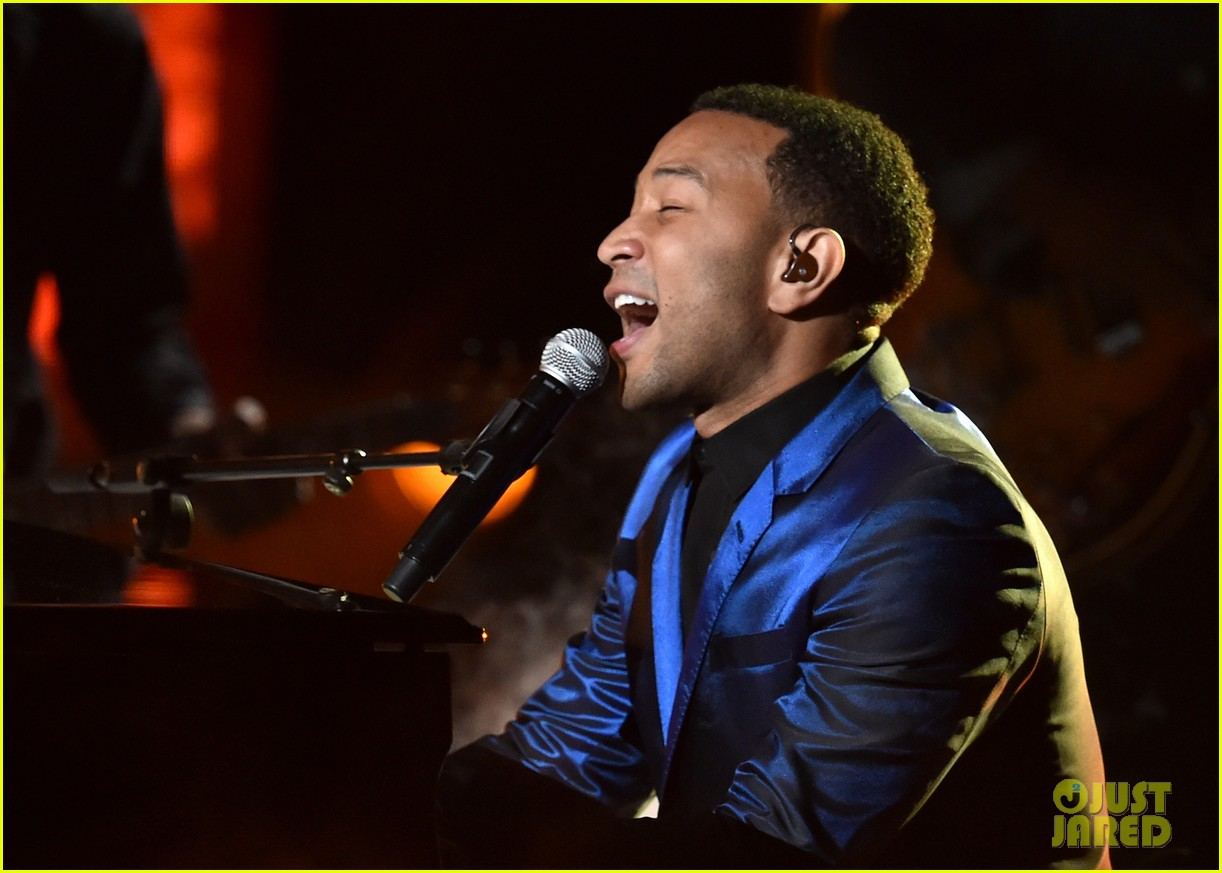 john legend jhene aiko bet awards 2014 023146325