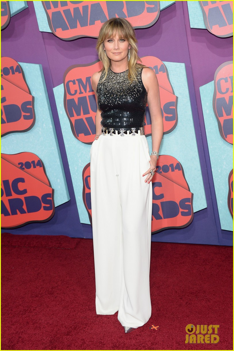 john legend jennifer nettles cmt music awards 2014 01