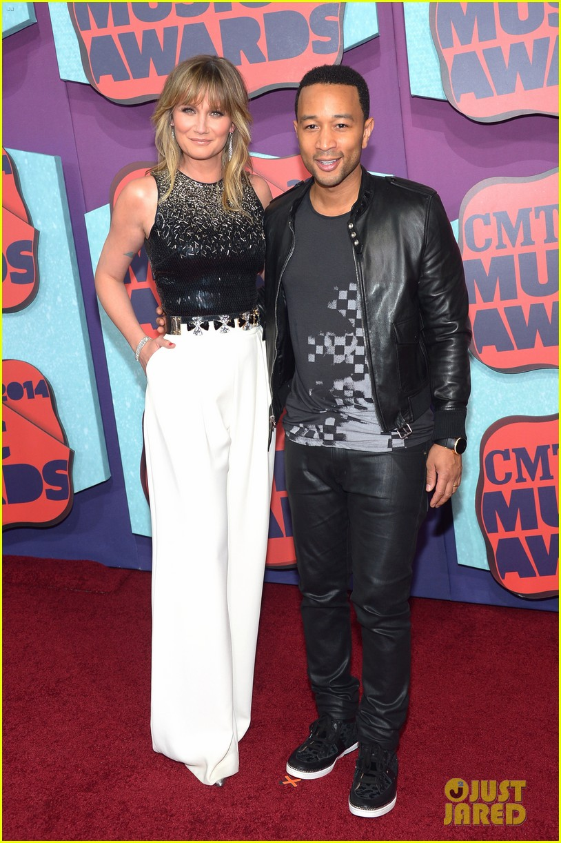 john legend jennifer nettles cmt music awards 2014 053128381