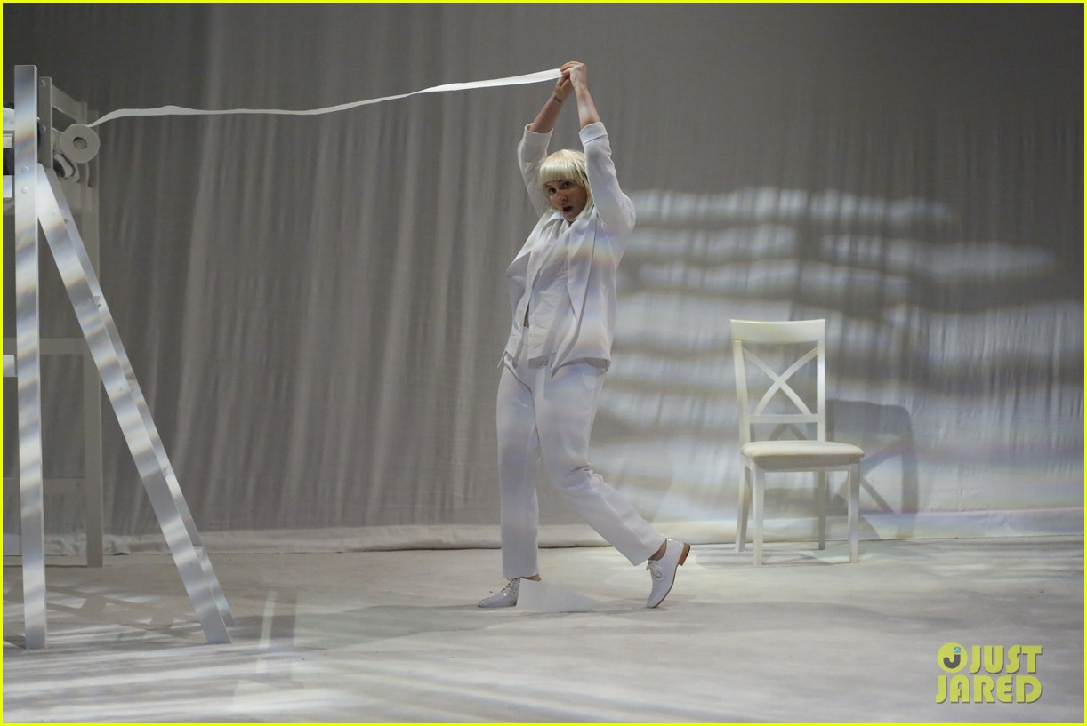 lena dunham performs interpretive dance to sias chandelier watch now 013132232