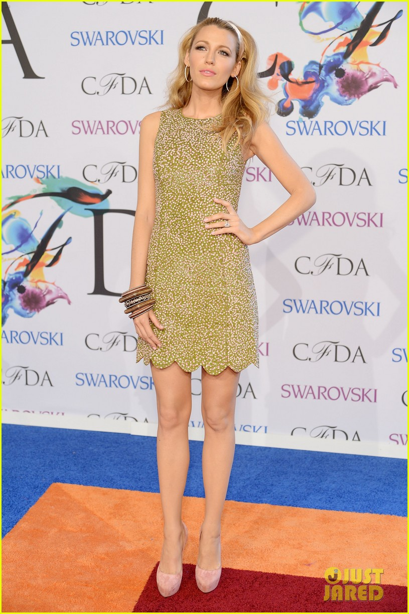 blake lively brings fashion a game to cfda awards 01
