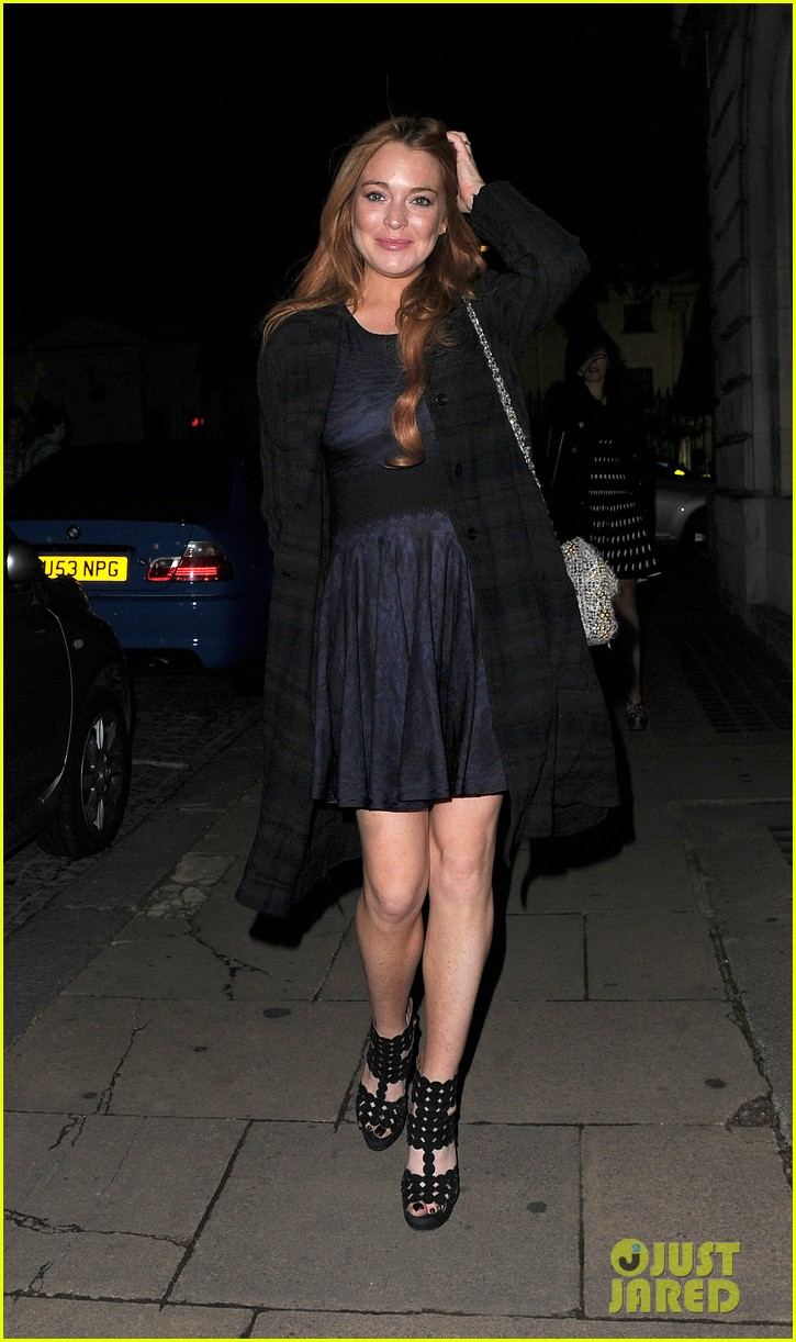 lindsay lohan changes up her look to evening wear for night out 20