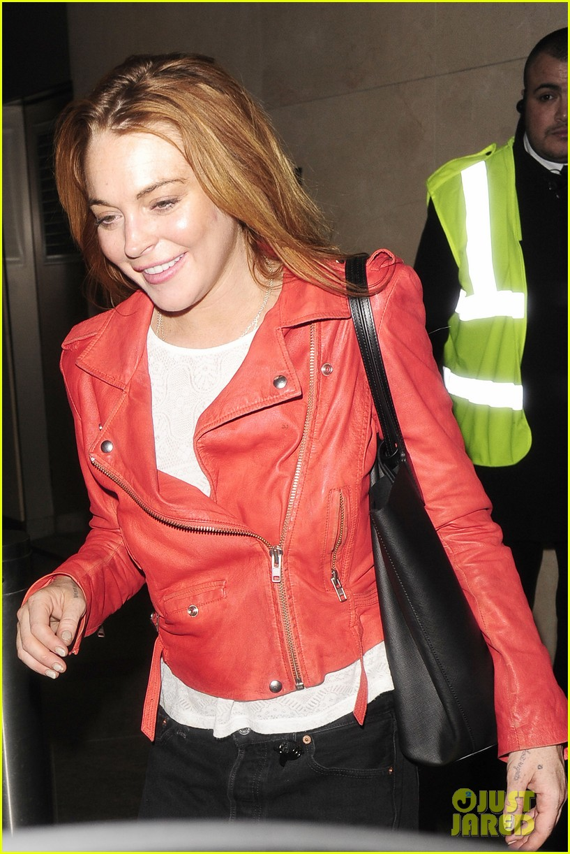 lindsay lohan is looking happier more refreshed than ever 09