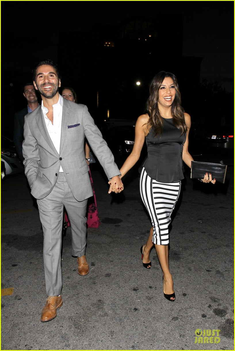 eva longoria beaming with jose baston presence 13