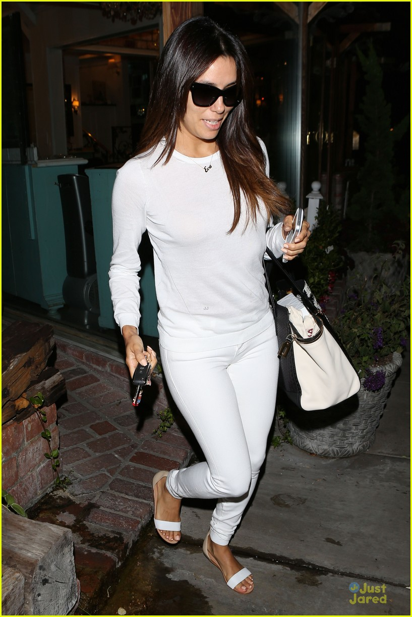 eva longoria shows support for inside out 11m 08