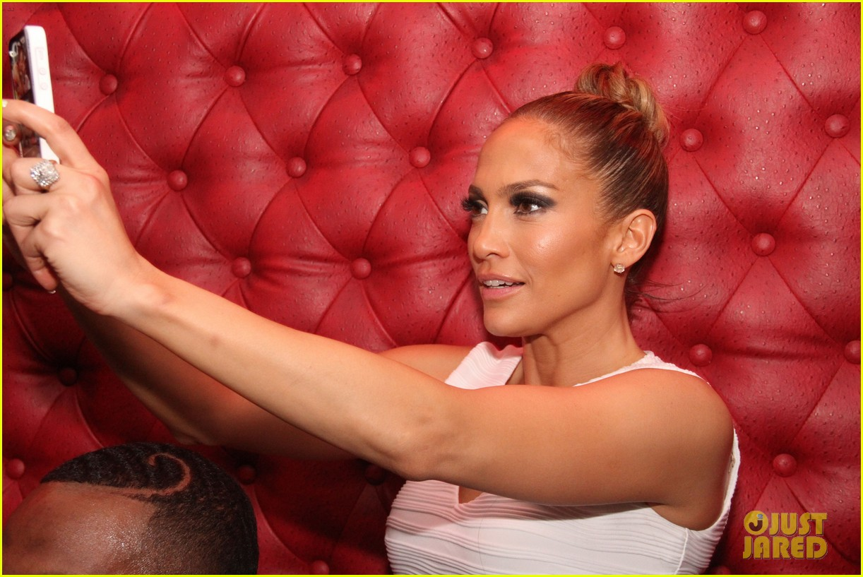 jennifer lopez celebrates her hometown concert with ti 283129186