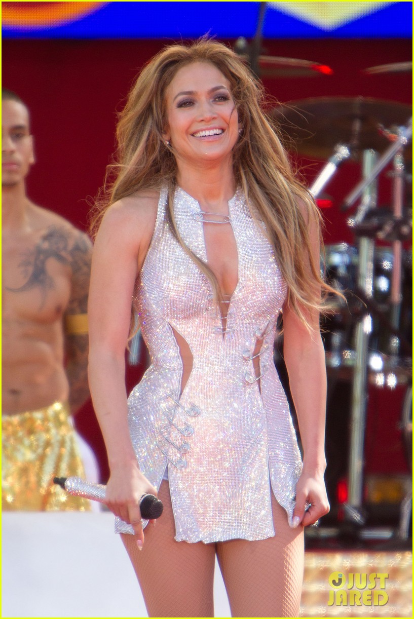jennifer lopez says she helped transform ben affleck 023139887