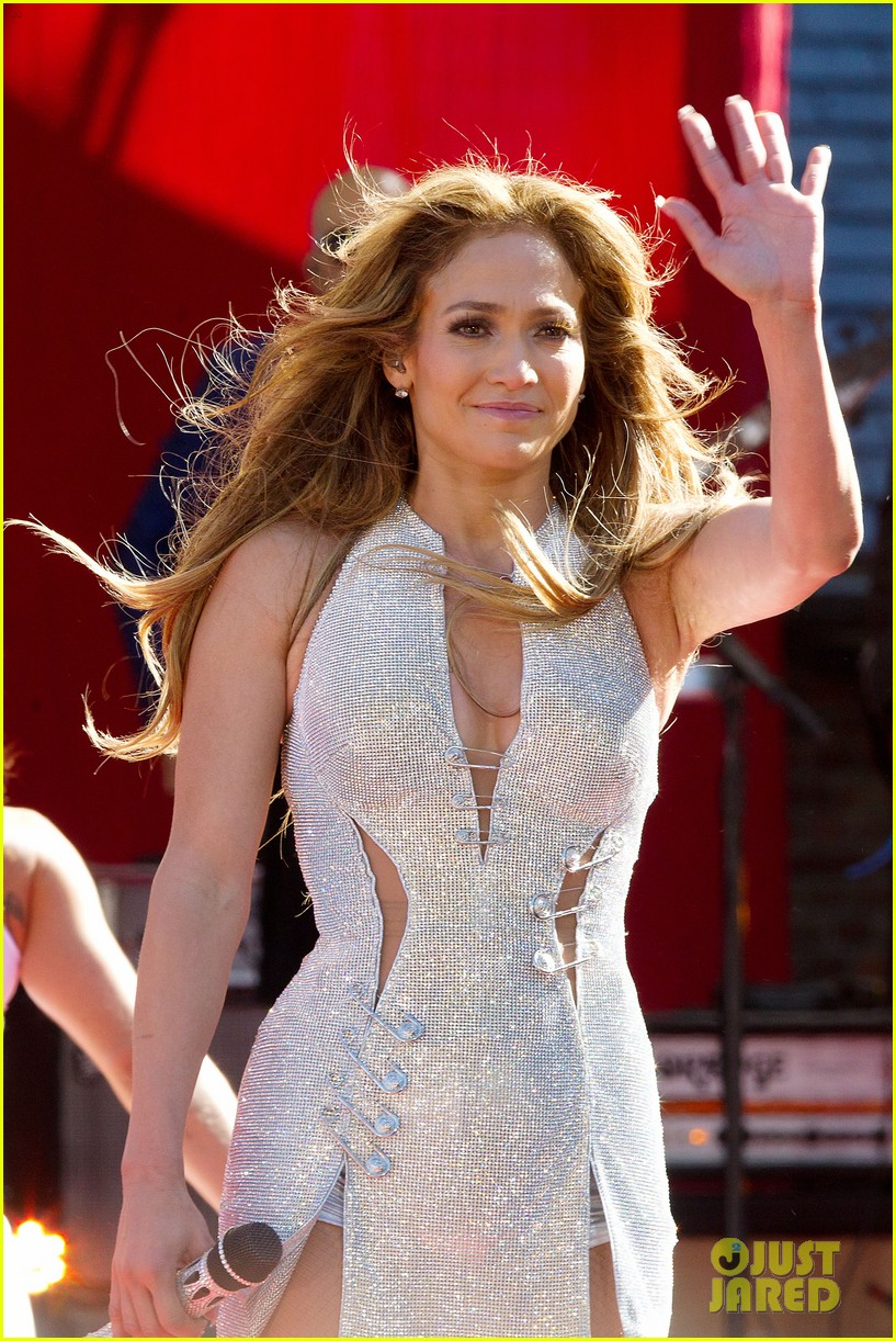 jennifer lopez says she helped transform ben affleck 34