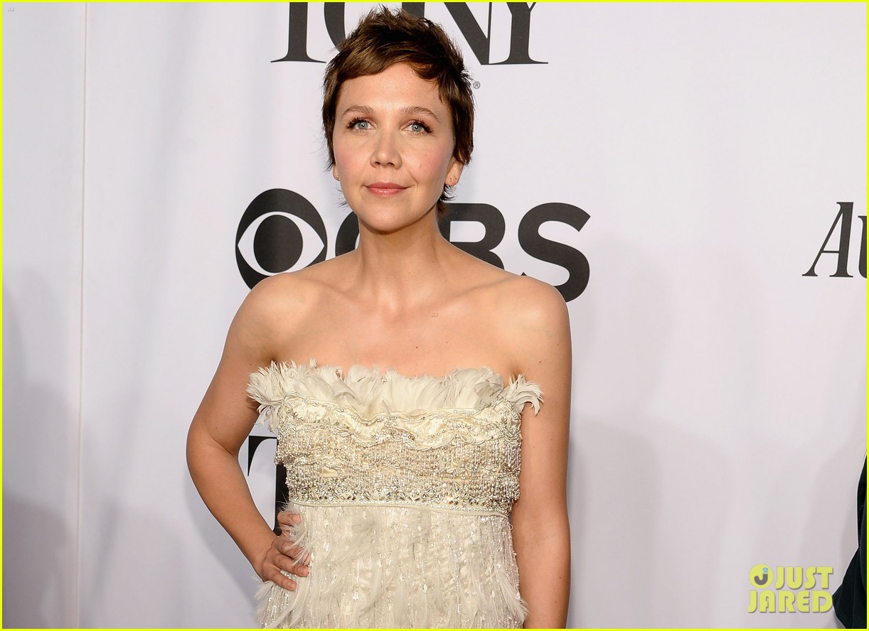 maggie gyllenhaal tony awards 2014 red carpet 05