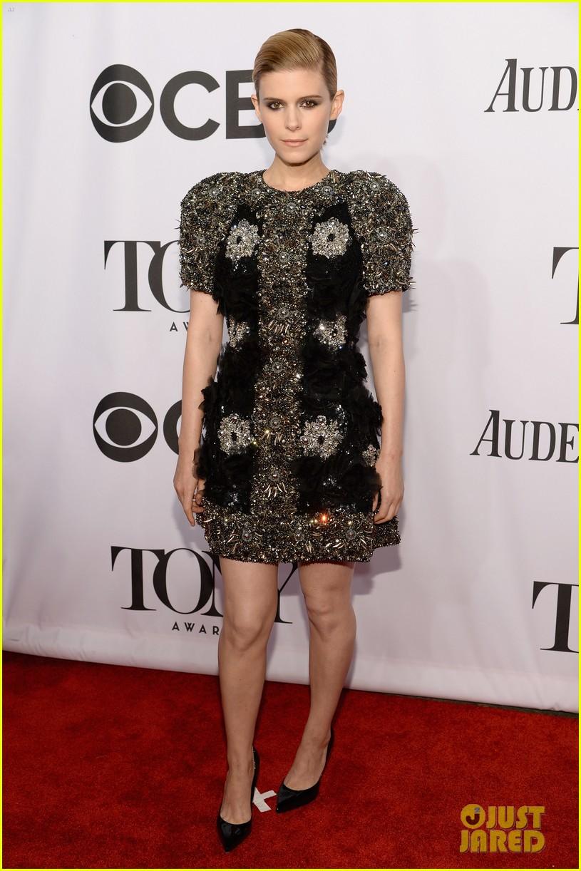 kate mara wears intricately beaded dress to tony awards 2014 01