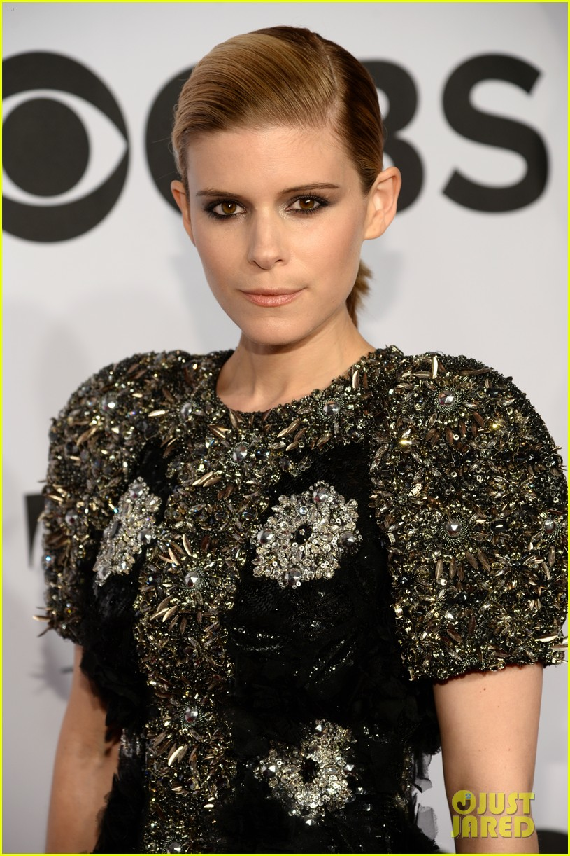 kate mara wears intricately beaded dress to tony awards 2014 023131279