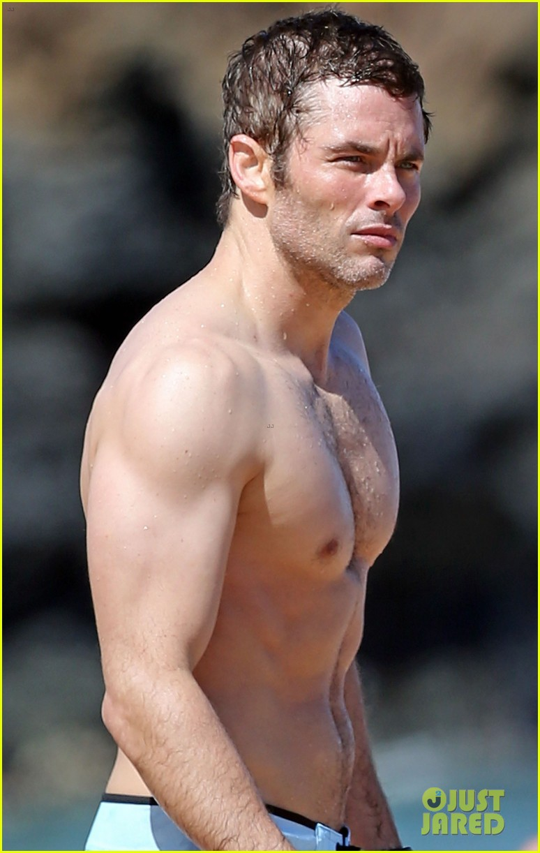 shirtless james marsden shows ripped body in hawaii 01