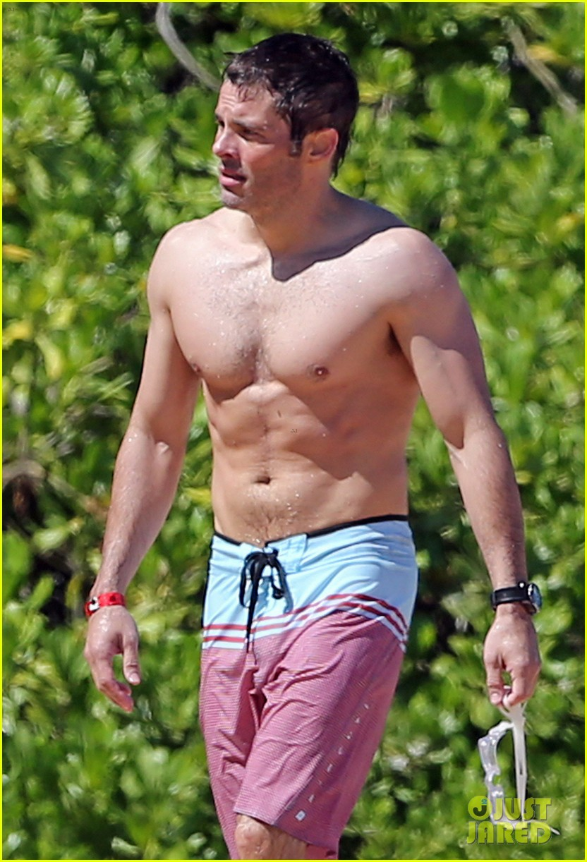 shirtless james marsden shows ripped body in hawaii 103131781