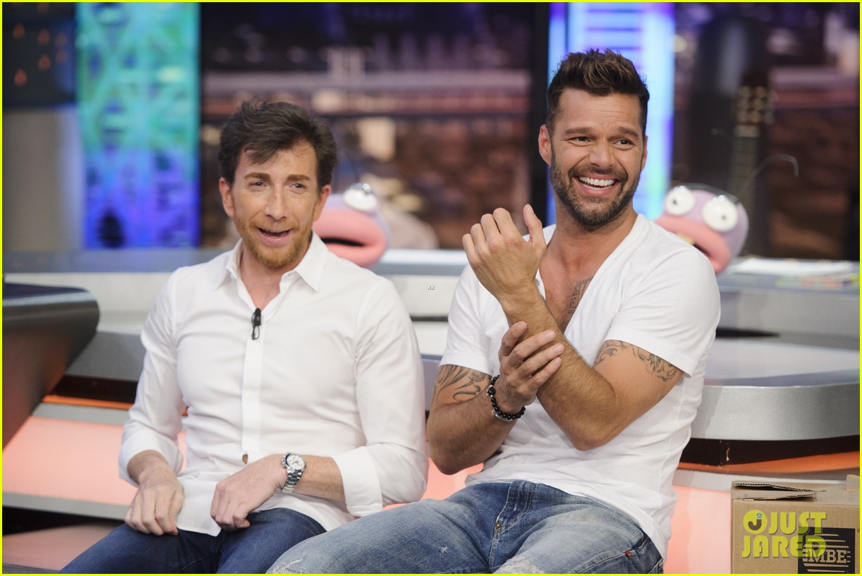 ricky martin recreates vida music video on el hormiguero 033132380