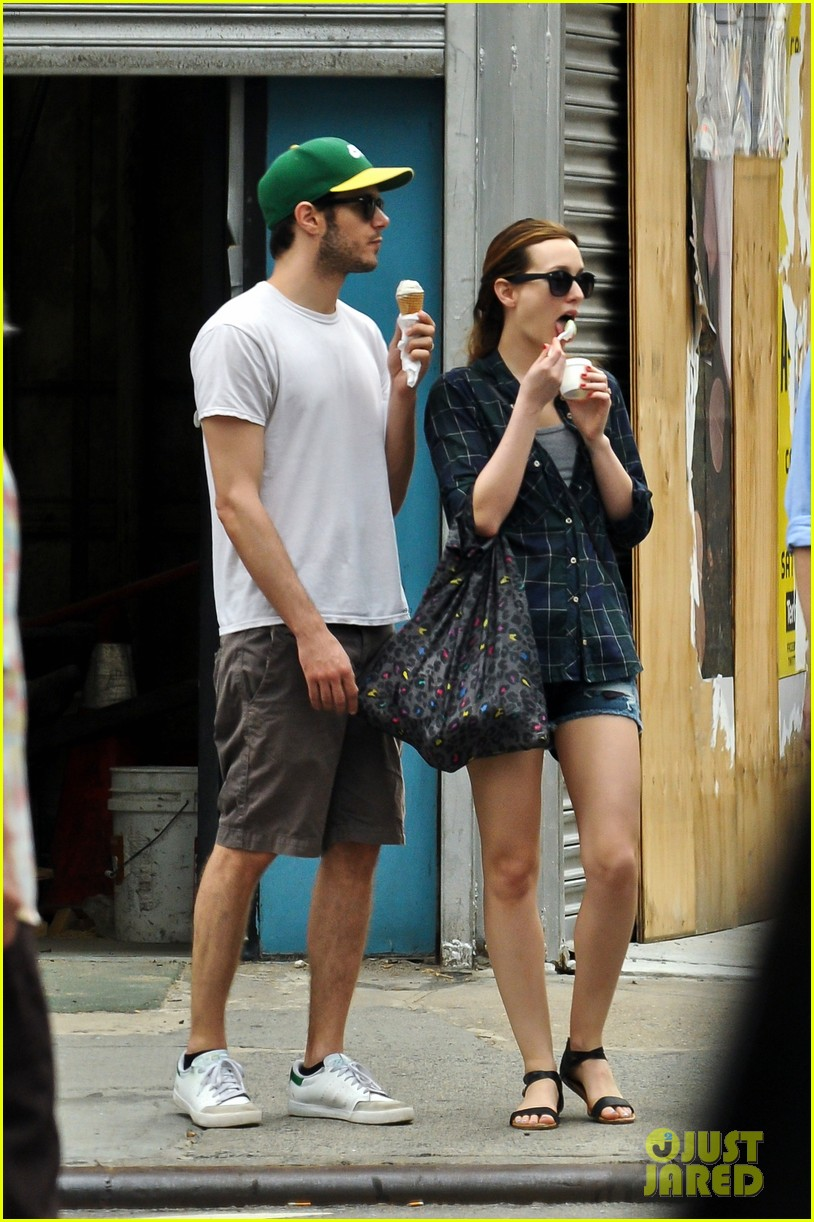 leighton meester adam brody ice cream date 04