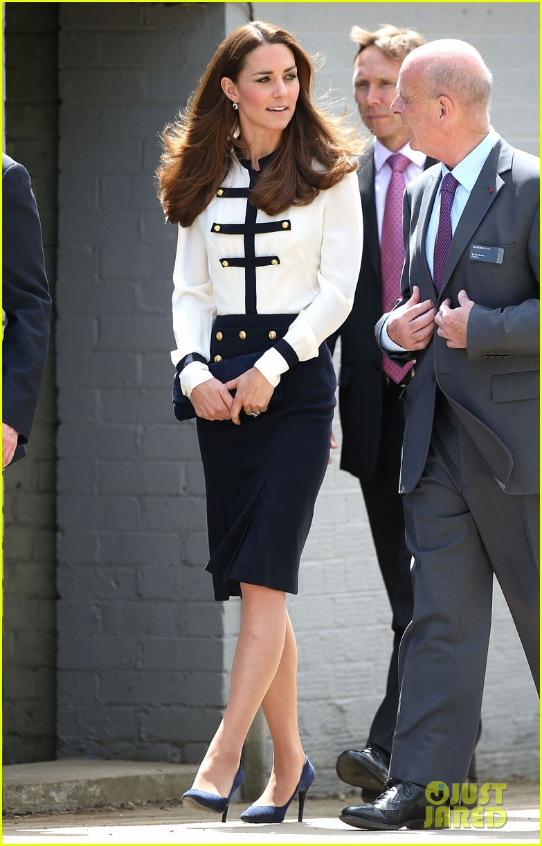kate middleton steps out solo for bletchley park spy school visit 09