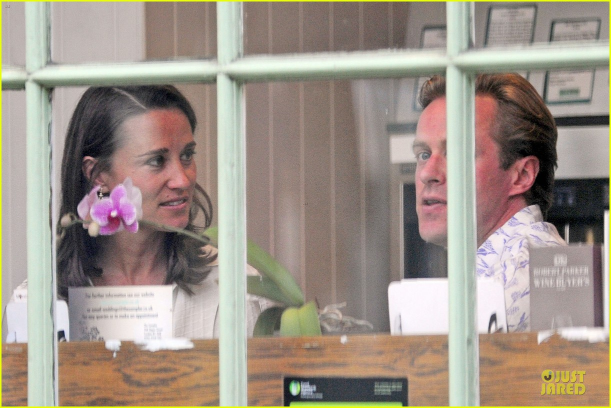 pippa middleton grabs drinks with tom kingston 18