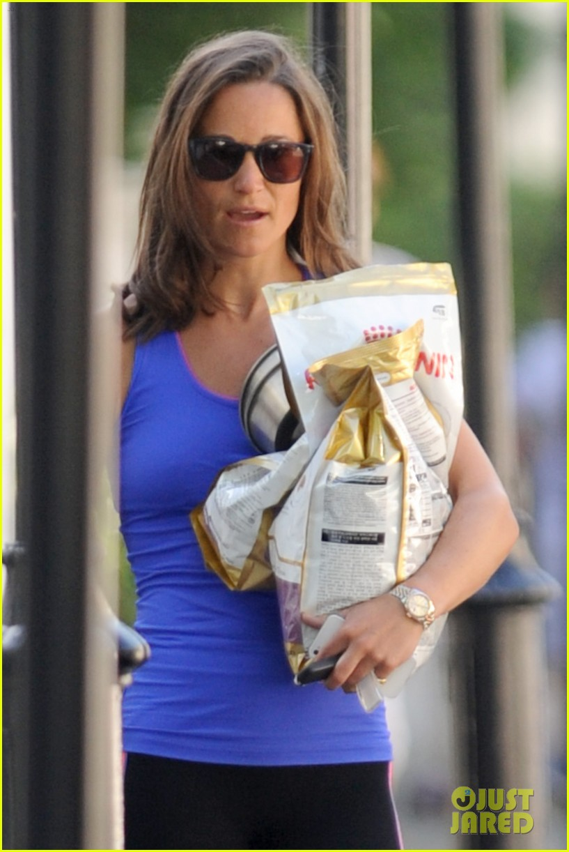 pippa middleton has a royal dog day afternoon with lupo 14