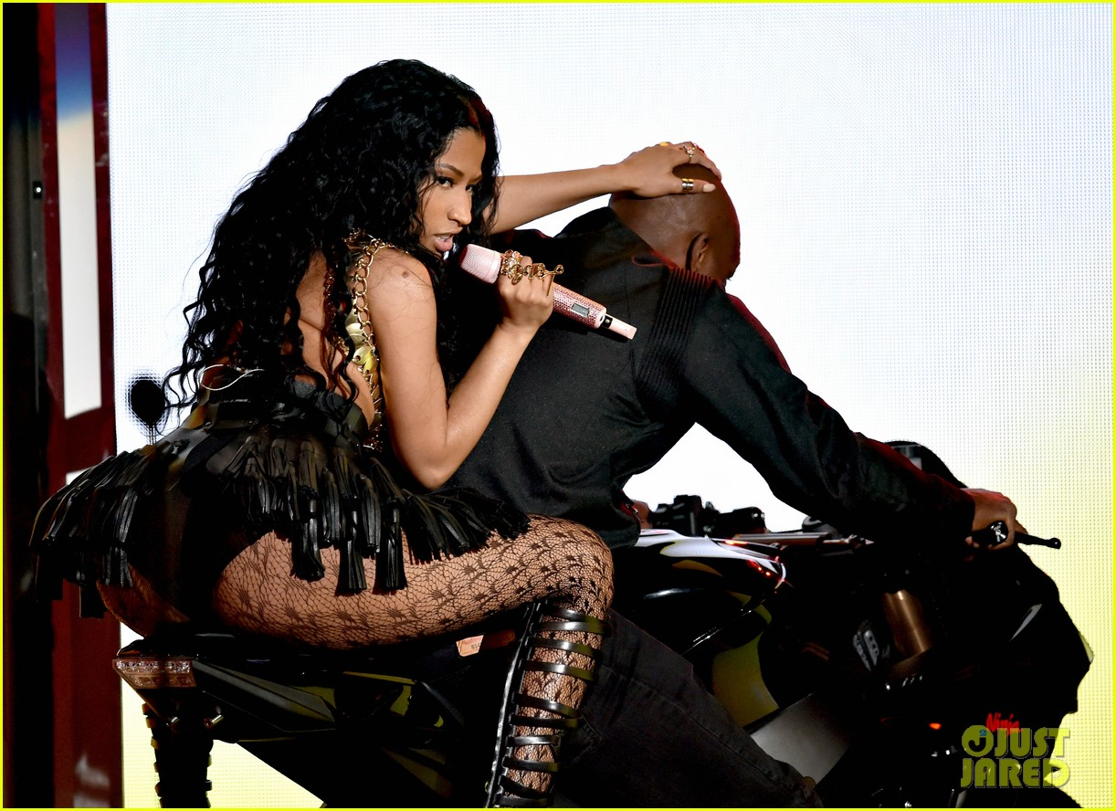 nicki minaj bet awards 2014 04