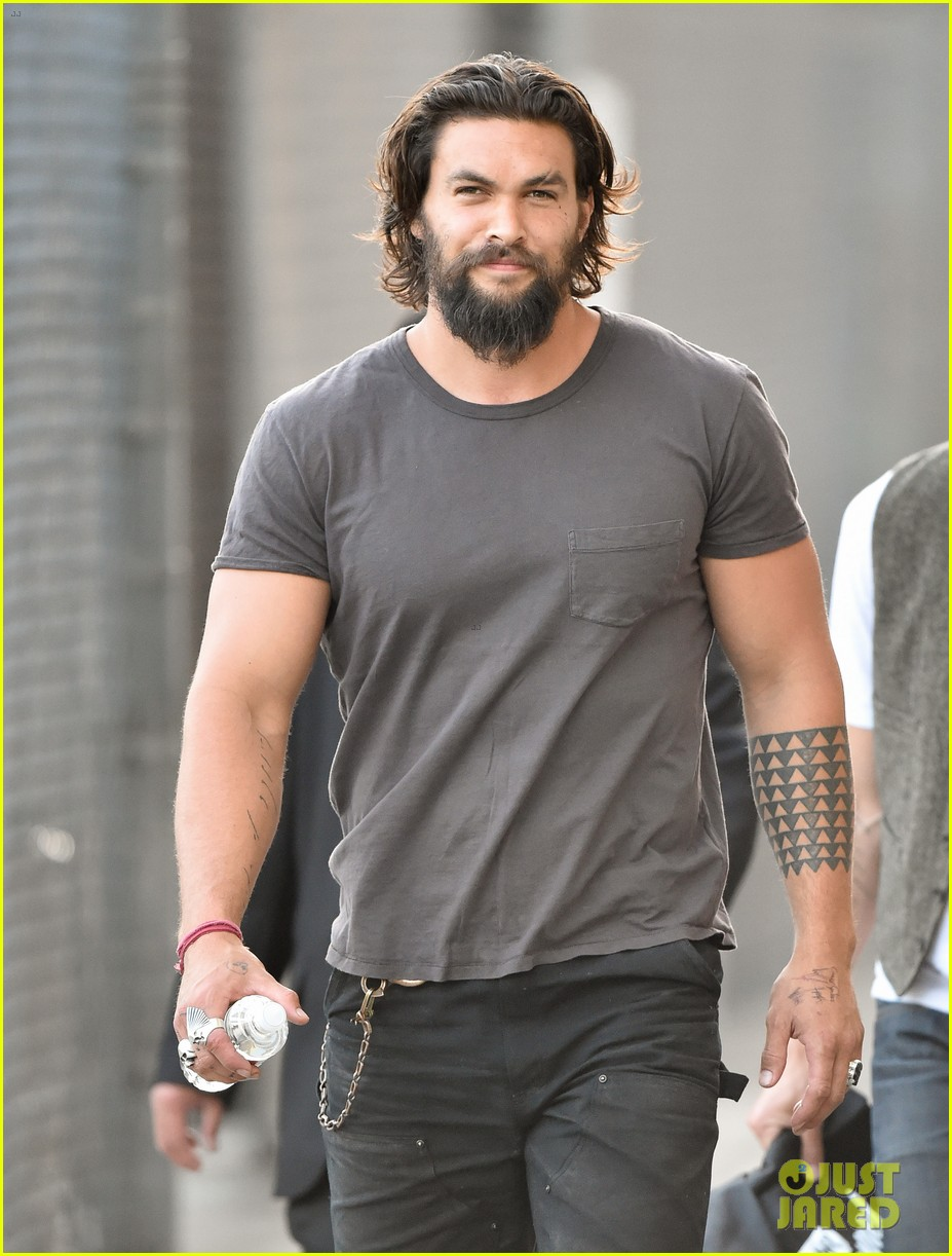 jason momoa grilled over aquaman rumors 013138912