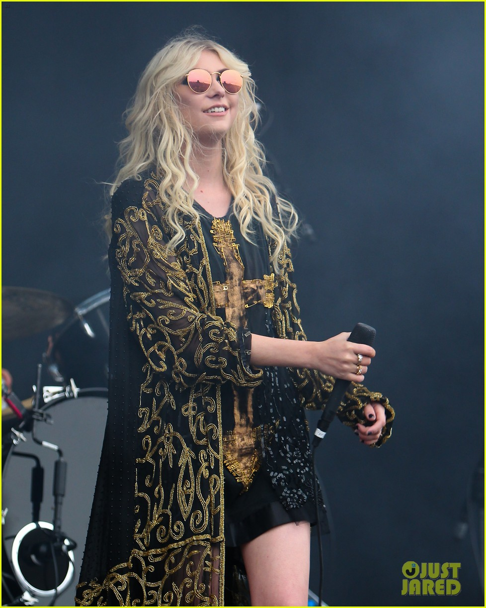 taylor momsen pretty reckless messed up world video 03