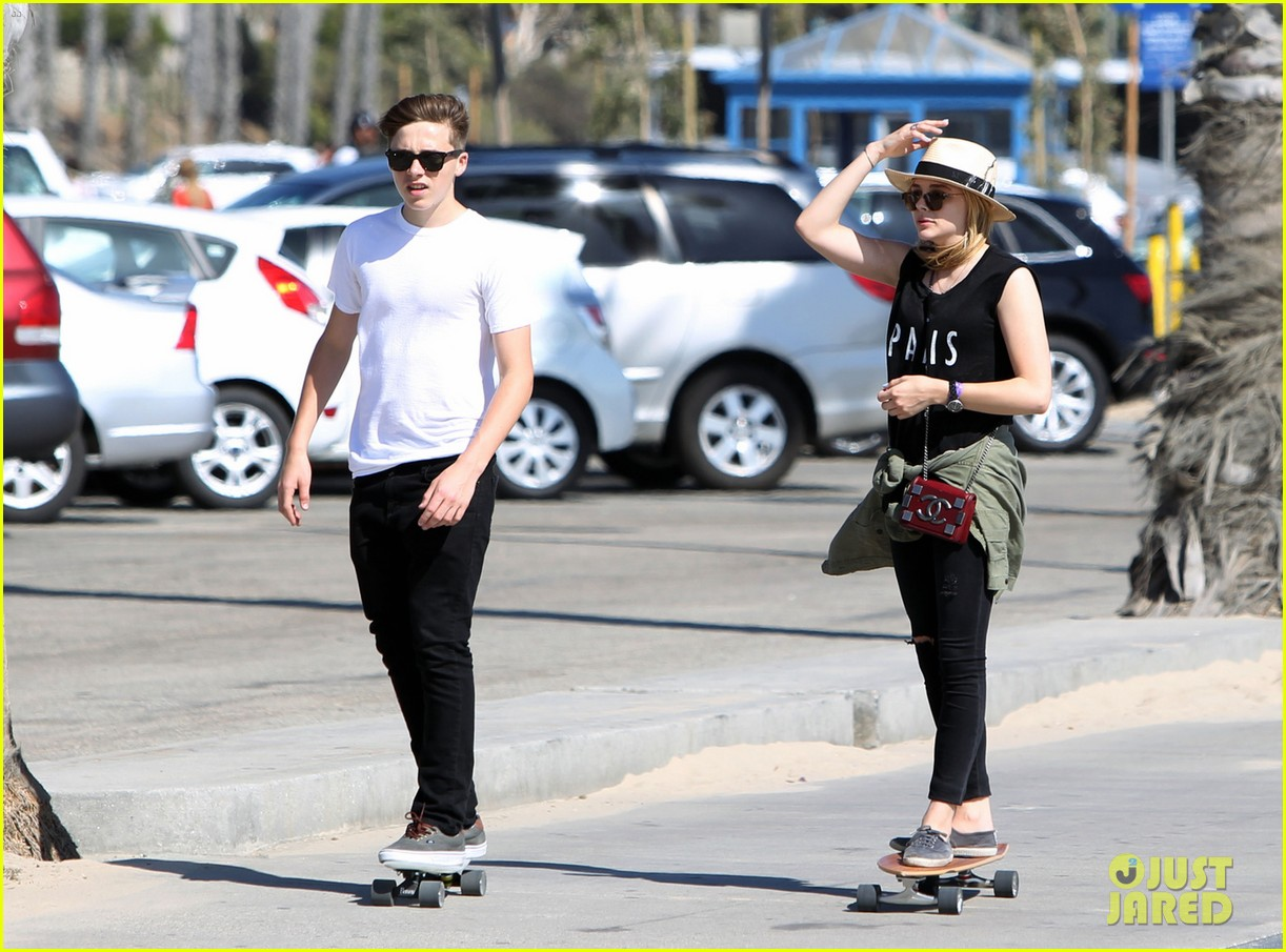 chloe moretz went skateboarding with brooklyn beckham 01