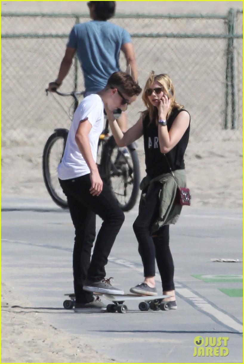 chloe moretz went skateboarding with brooklyn beckham 053126608