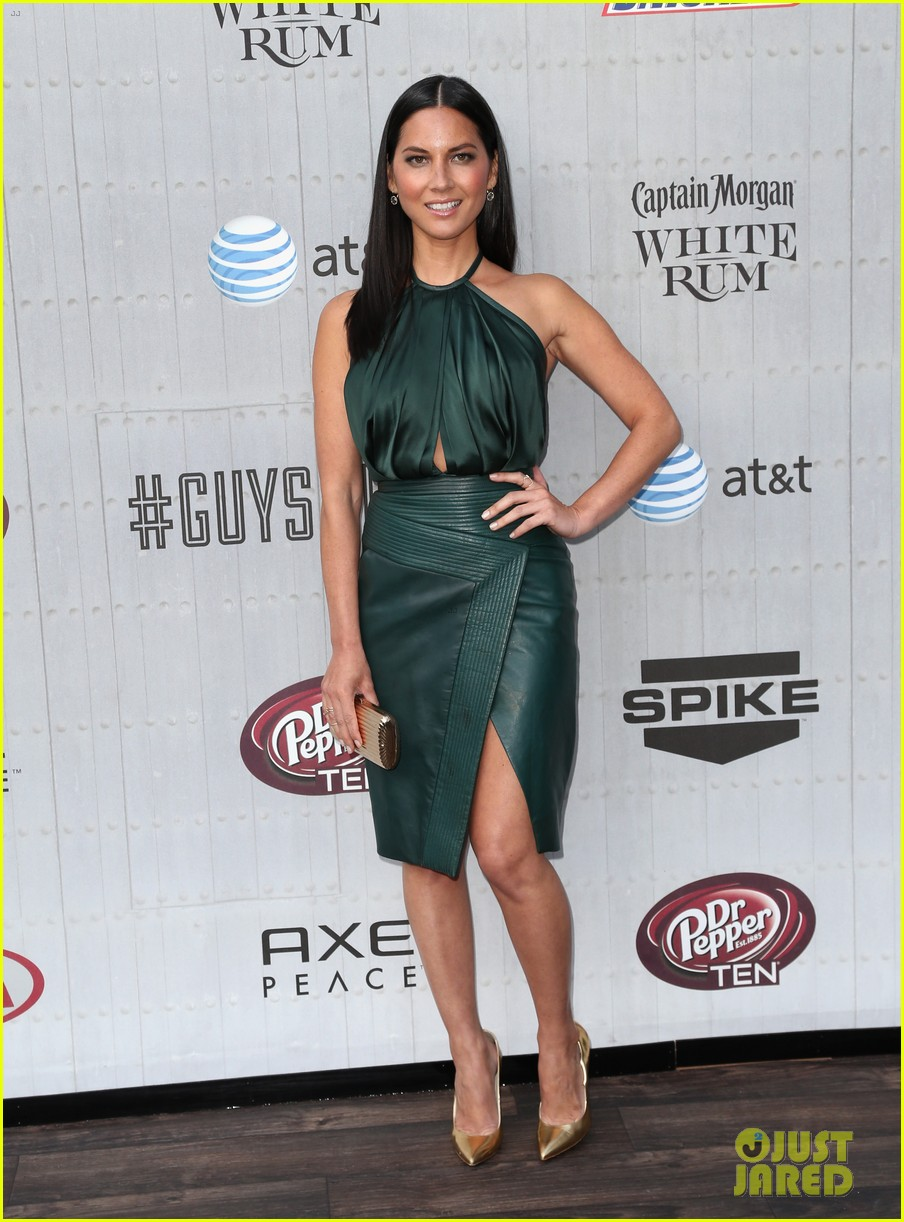 olivia munn rosario dawson guys choice awards 2014 07