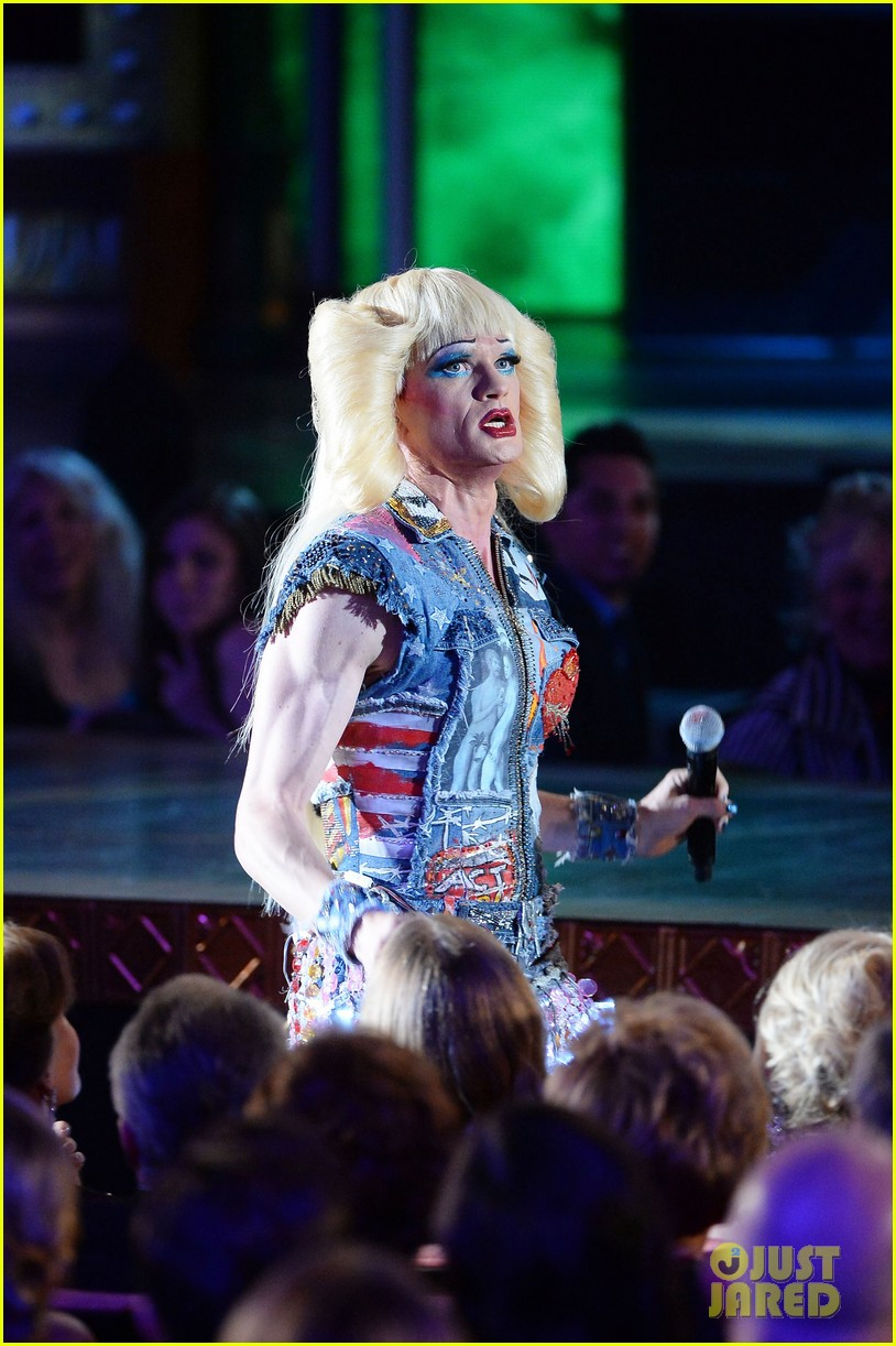 neil patrick harris sugar daddy hedwig angry inch tony awards 2014 performance 05