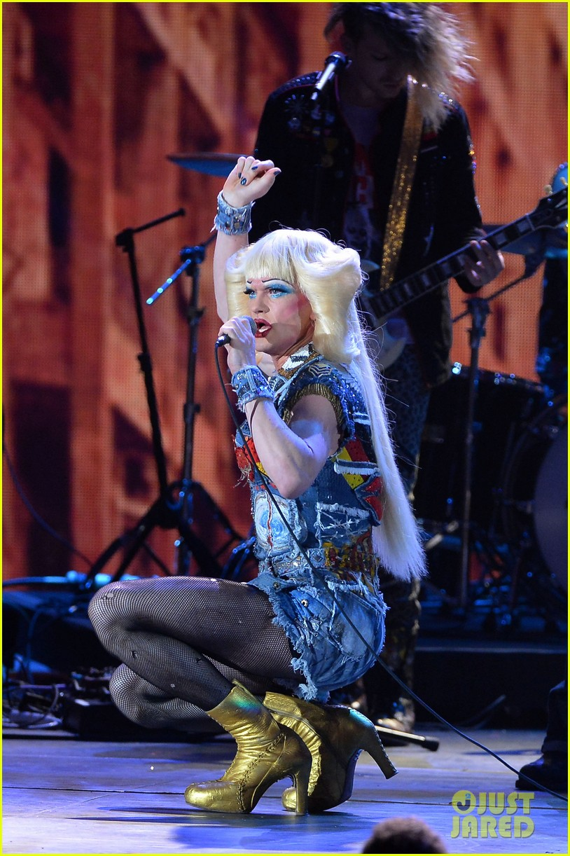 neil patrick harris sugar daddy hedwig angry inch tony awards 2014 performance 07