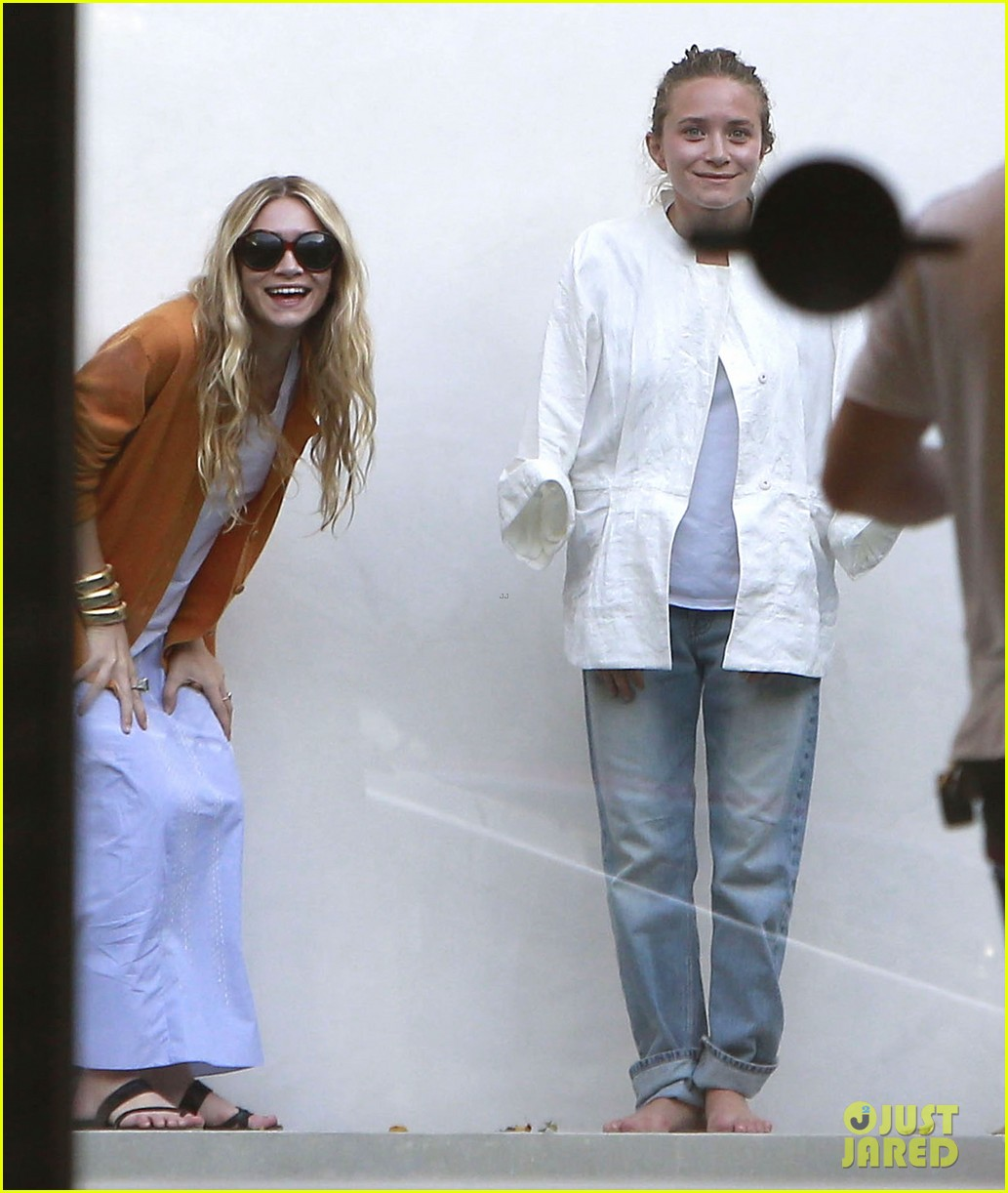 mary kate ashley olsen dedicated their cfda award 03