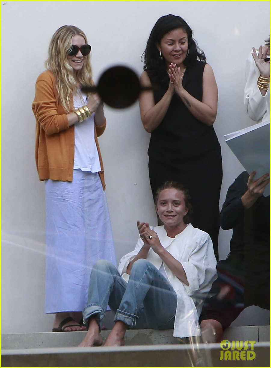 mary kate ashley olsen dedicated their cfda award 073129538
