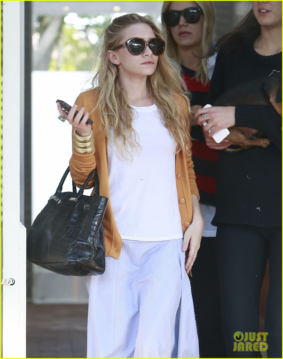 mary kate ashley olsen dedicated their cfda award 093129540