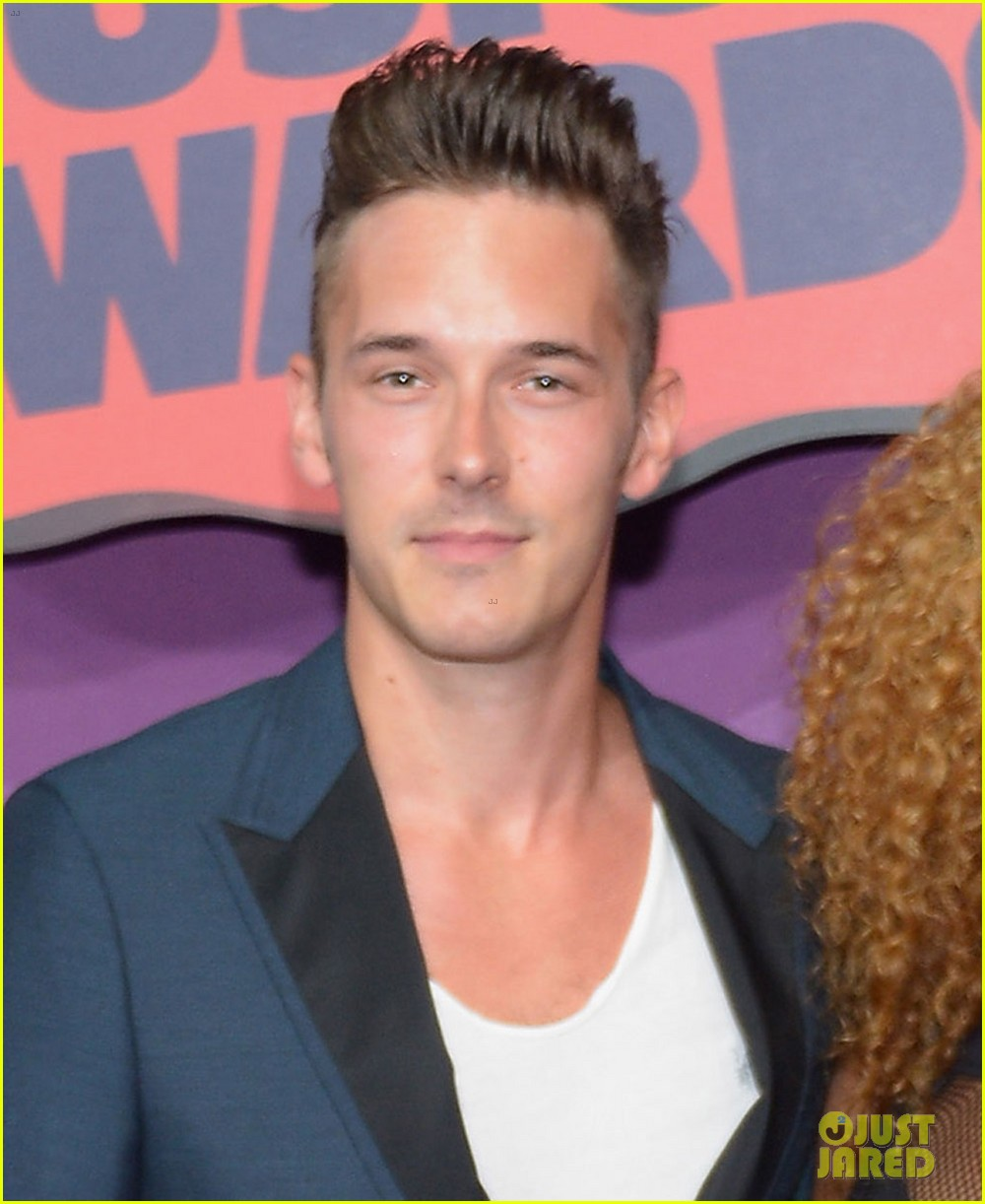sam palladio chaley rose cmt music awards 2014 01