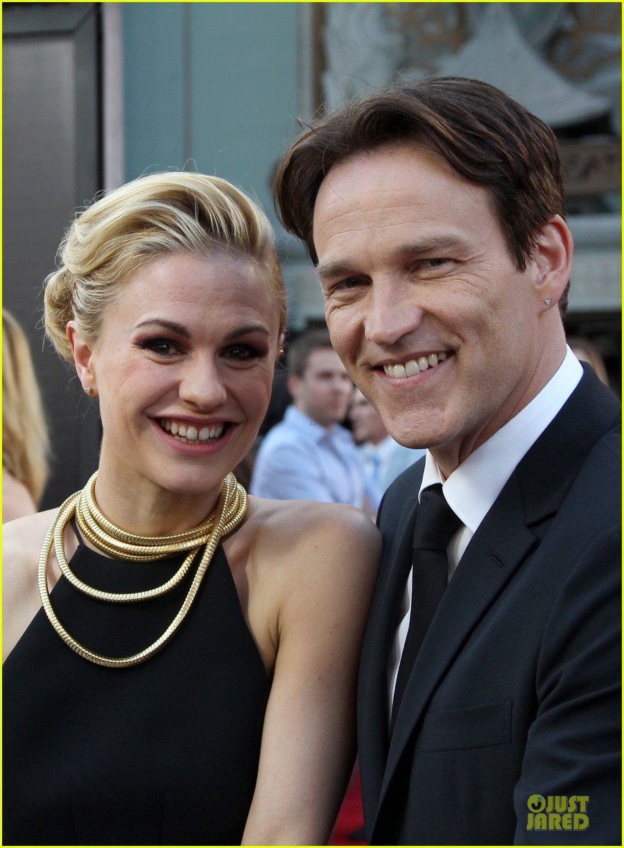 anna paquin gives stephen moyer look of love at true blood premiere 02