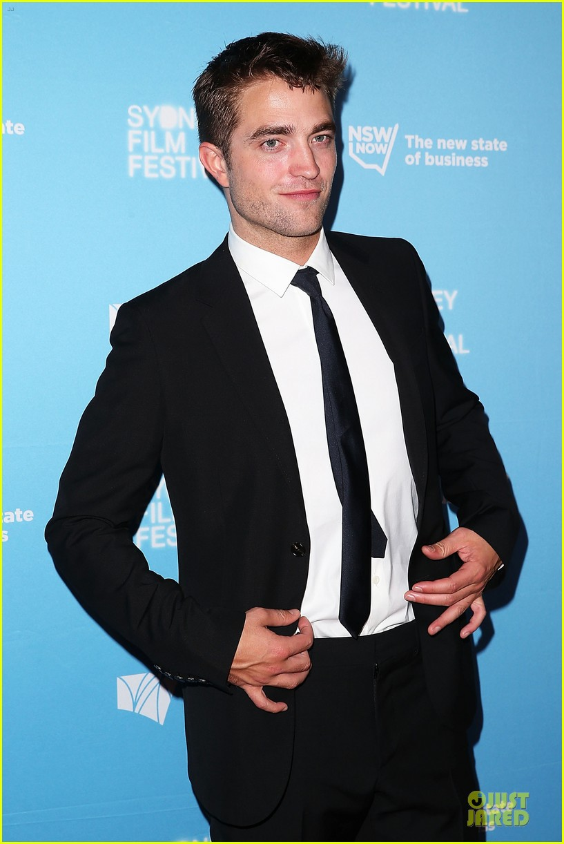 robert pattinson dapper rover sydney premiere 02