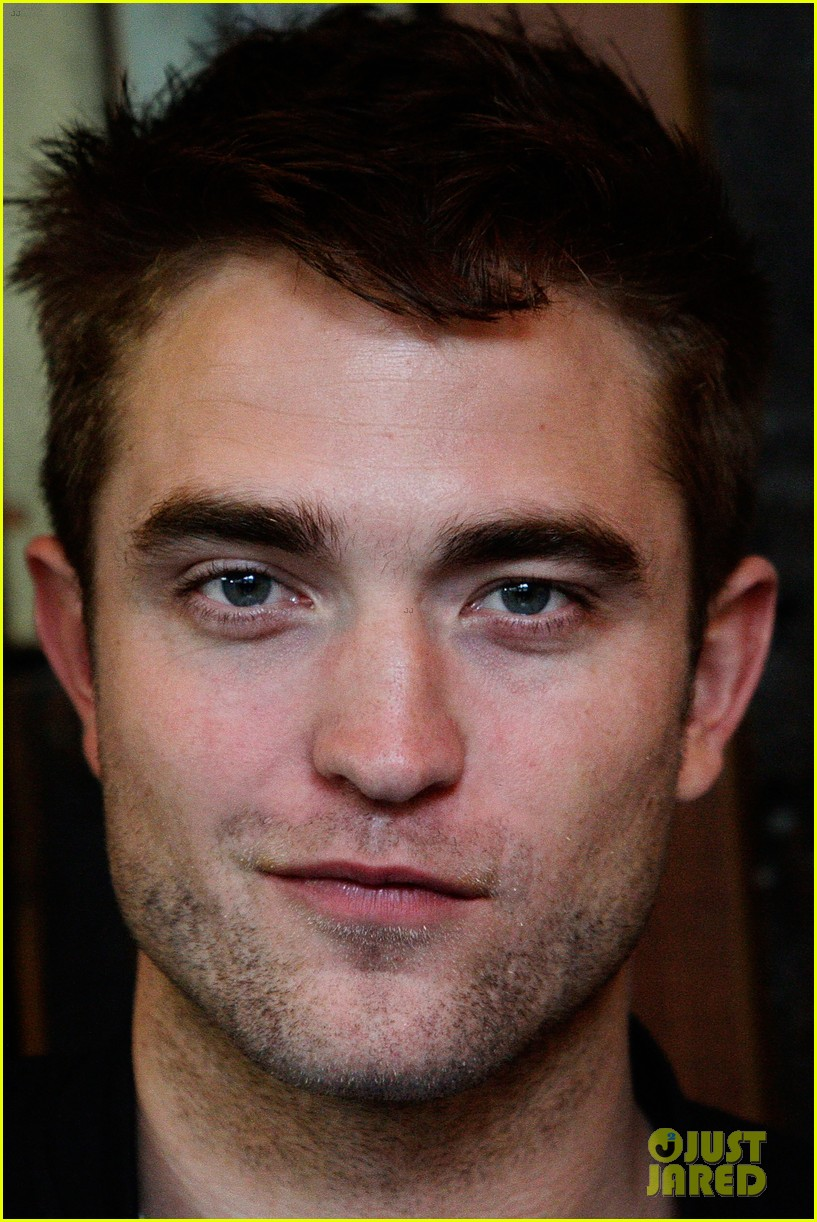robert pattinson the rover sydney photo call 06