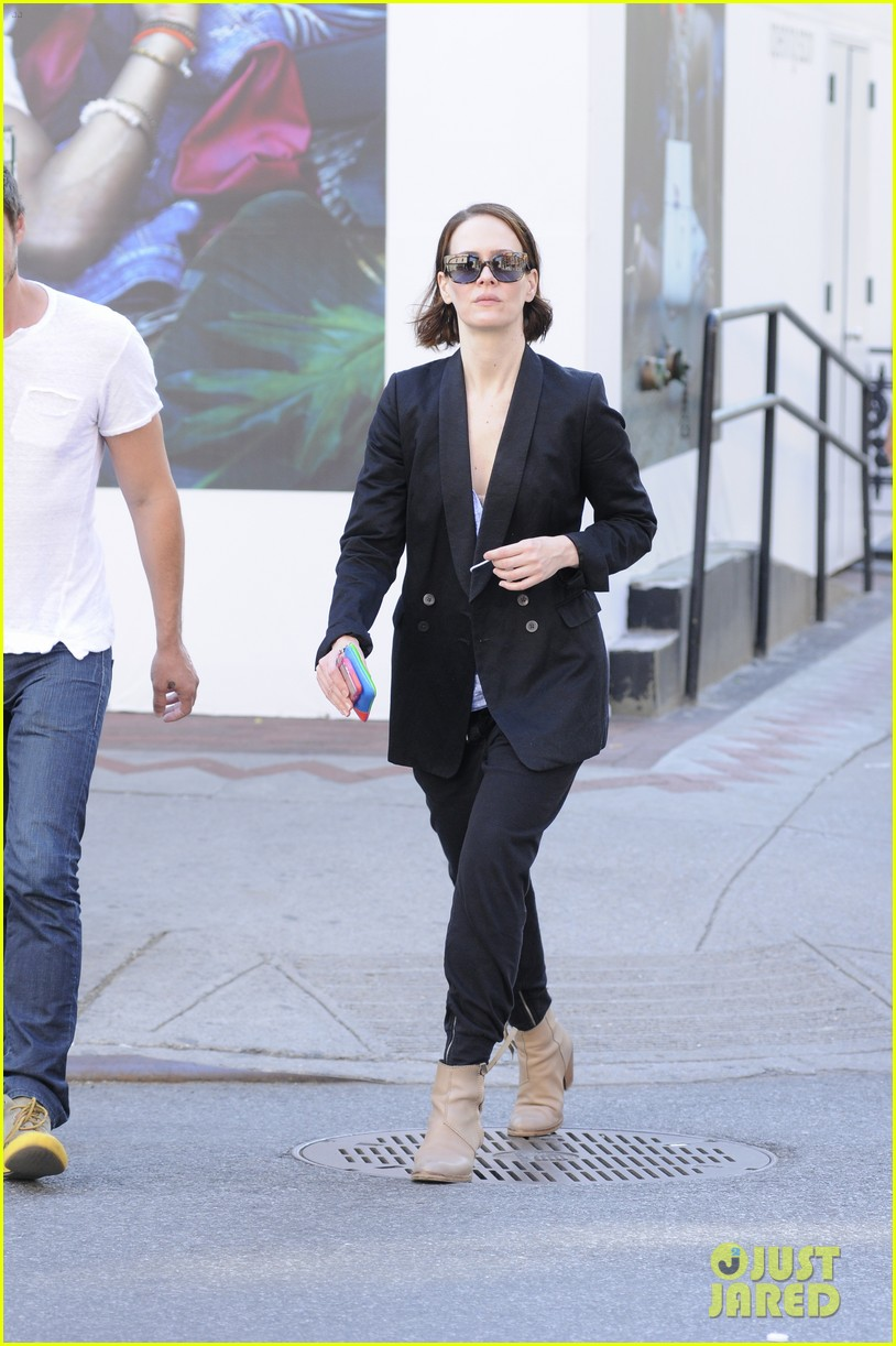 sarah paulson beau stroll around new york 013127378
