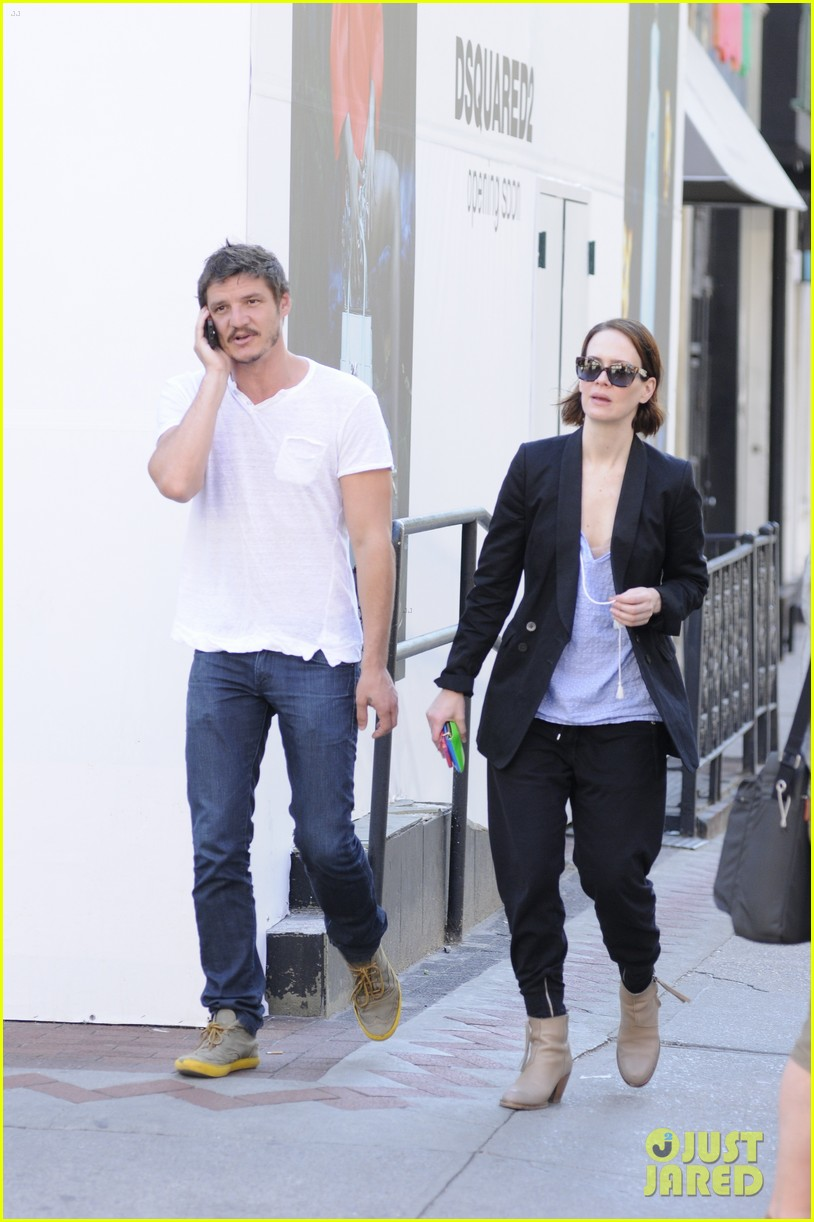 sarah paulson beau stroll around new york 04