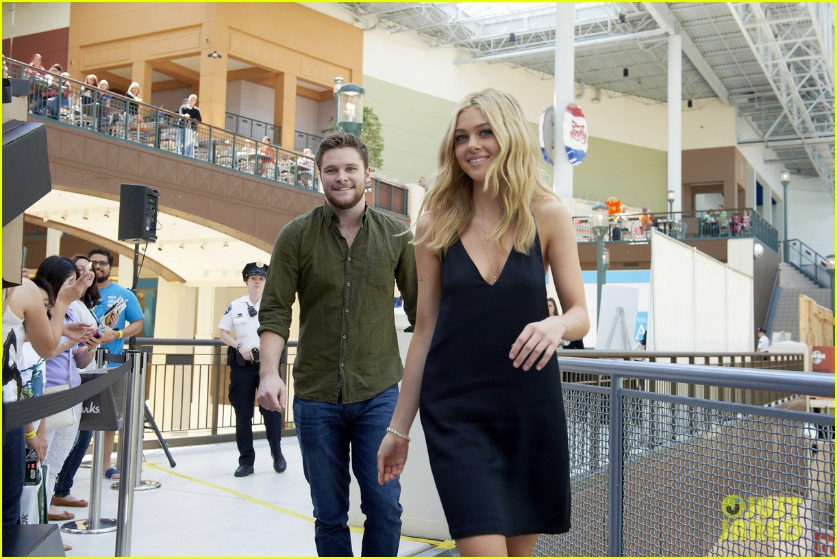 nicola peltz jack reynor tour country for transformers 14