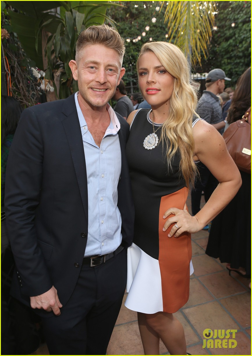 busy philipps celebrates her birthday at jason nash is married premiere 013143799