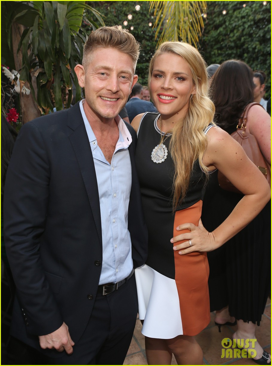 busy philipps celebrates her birthday at jason nash is married premiere 073143805
