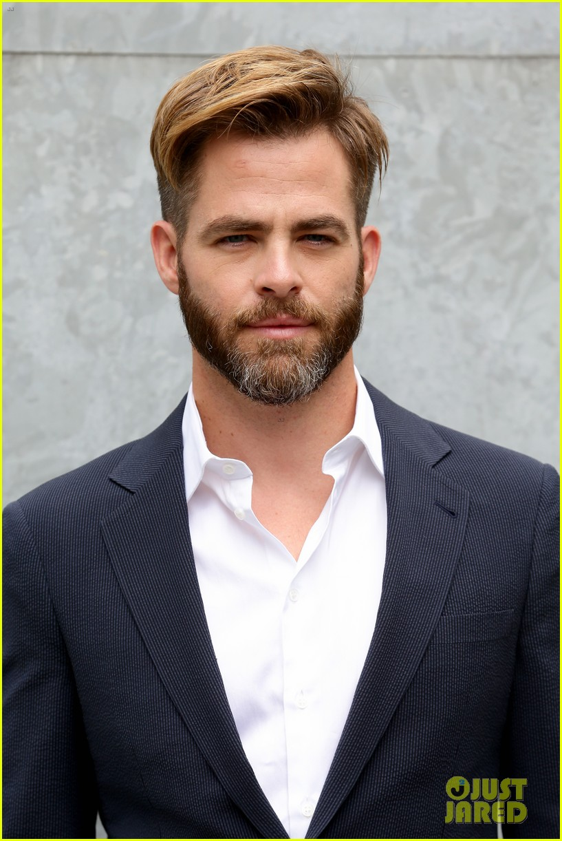 chris pine jets to milan for giorgio armani menswear fashion show 023142256