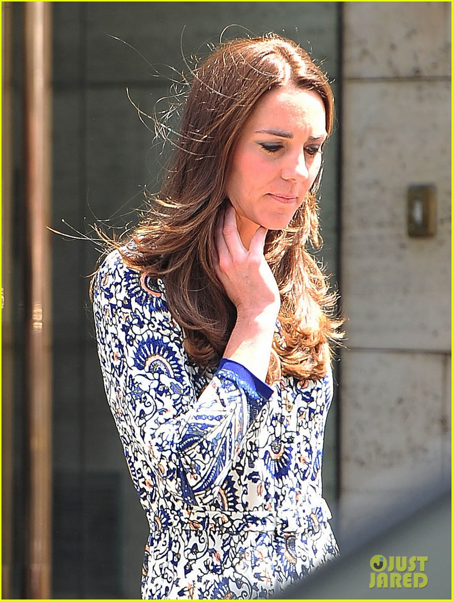 kate middleton steps out after pippa today interview 023147000